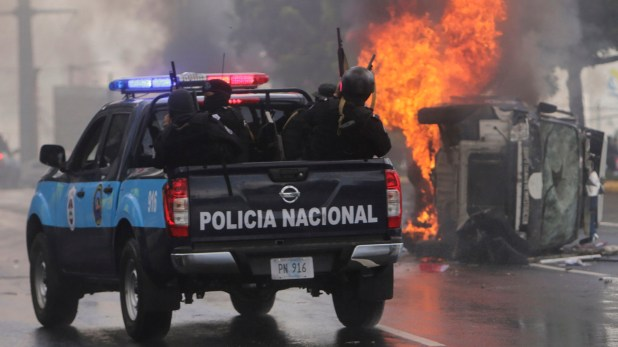 El régimen de Daniel Ortega reprime a los manifestantes (AFP)