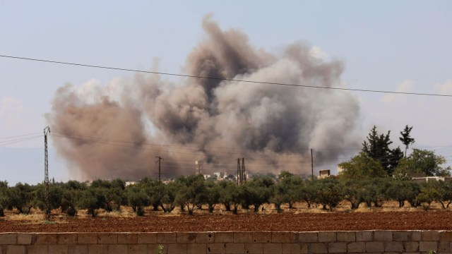El régimen recrudece los ataques sobre la ciudad de Idlib (AFP)