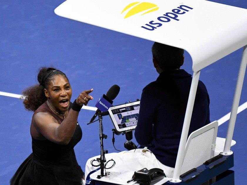 Serena Williams grita contra el umpire durante la final (Danielle Parhizkaran-USA TODAY SPORTS)