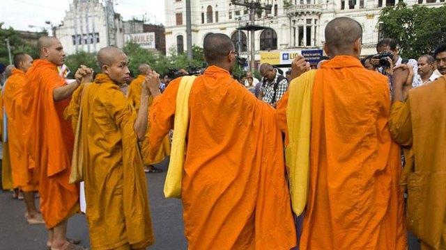 Un grupo de personas se reunirá en Ámsterdam con el Dalai Lama para denunciar abusos por parte de curas budistas