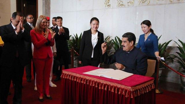 El presidente venezolano firmó acuerdos de cooperación (AFP)