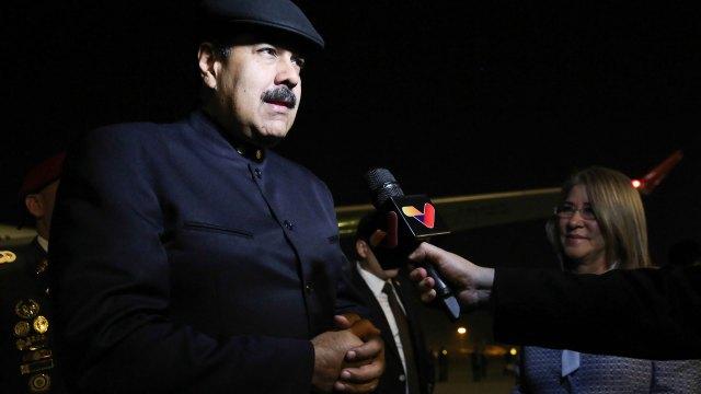 Maduro habló con los medios apenas llegó a China