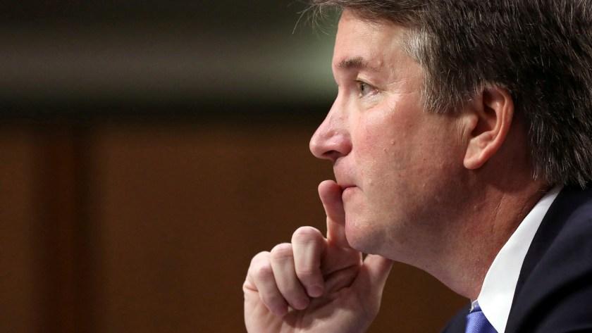 Kavanaugh enfrenta una nueva acusación por acoso sexual (Reuters)