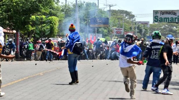 Grupos sandinistas volvieron a atacar a los manifestantes (@SOSnicaragua11)