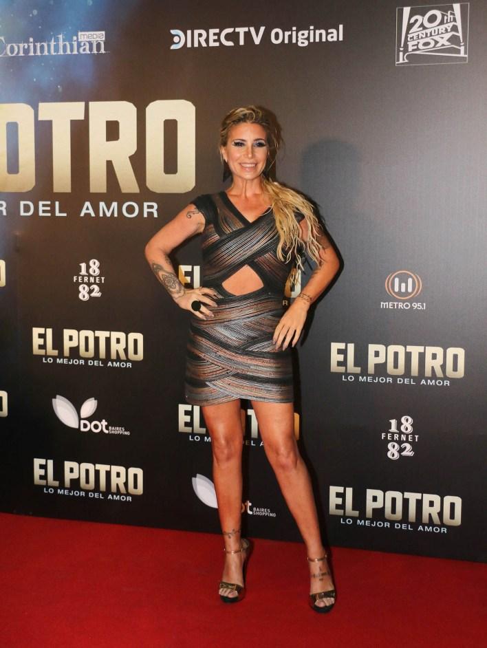 El osado look de Florencia Peña, quien en el filme interpreta a Beatriz Olave, la mamá de Rodrigo