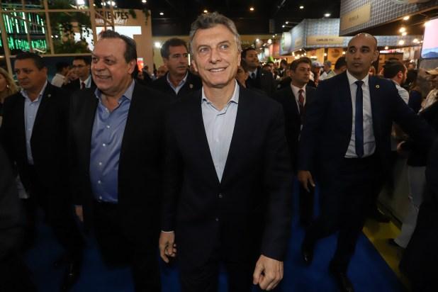 Por primera vez un Presidente visitó la FIT. Mauricio Macri concurrió para encabezar junto a Gustavo Santos, secretario de Gobierno de Turismo, el lanzamiento de la web ViajAR (www.viajar.gob.ar)