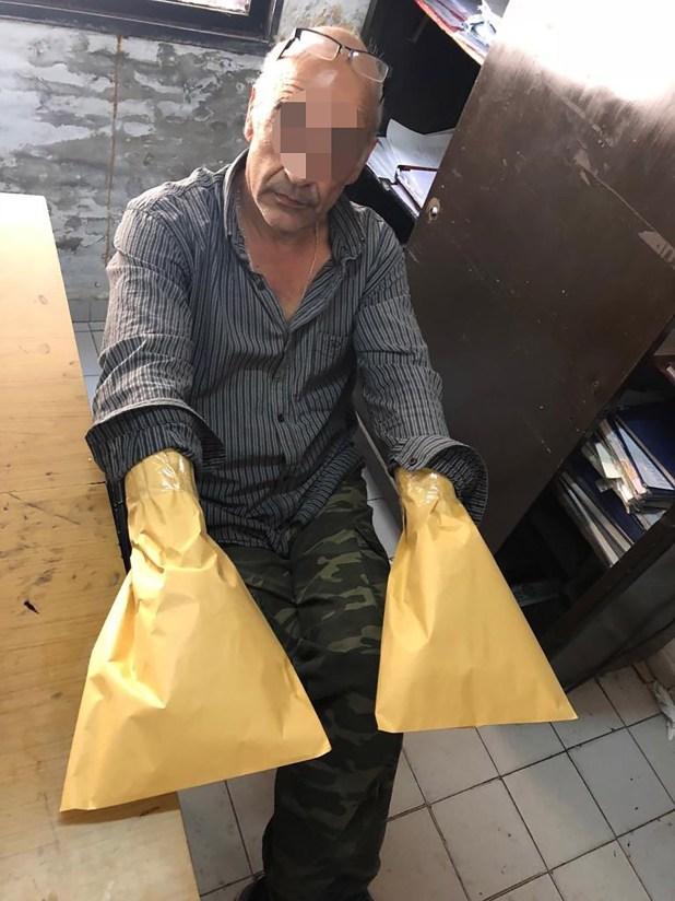 El hombre acusado de matar al novio de su ex mujer vestía las mismas prendas descritas por la mujer que lo denunció. Planeaba fugarse