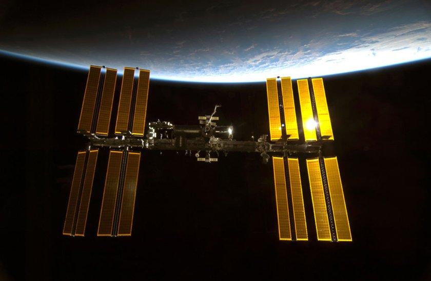 La Estación Espacial Internacional, a donde los astronautas se dirigían para una misión de 6 meses