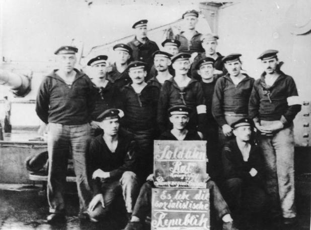 Marineros amotinados en el acorazado SMS Prinzregent Luitpold en noviembre de 1918 (Bundesarchiv)