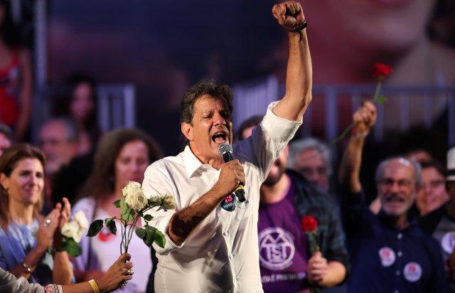 El candidato del Partido de los Trabajadores durante un acto en Rio de Janeiro (REUTERS/Ricardo Moraes)