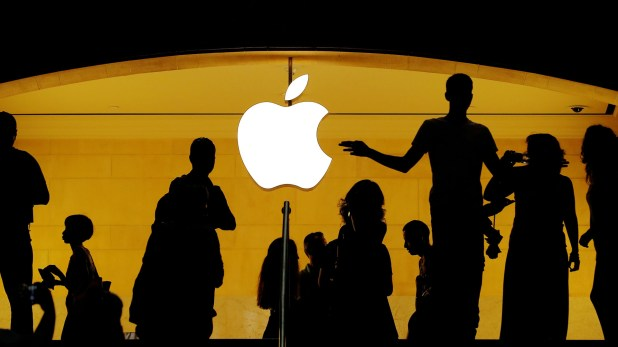 Apple le pagará una compensación al adolescente que encontró una falle en FaceTime, de casualidad(REUTERS/Lucas Jackson/File Photo)
