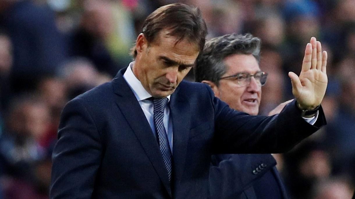 Julen Lopetegui se despidió con una dura derrota ante el Barcelona (REUTERS/Albert Gea)