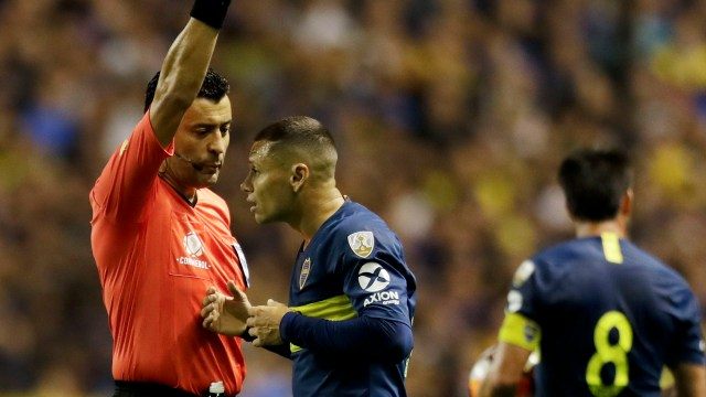 (AP) Tobar dirigió a Boca en la semifinal