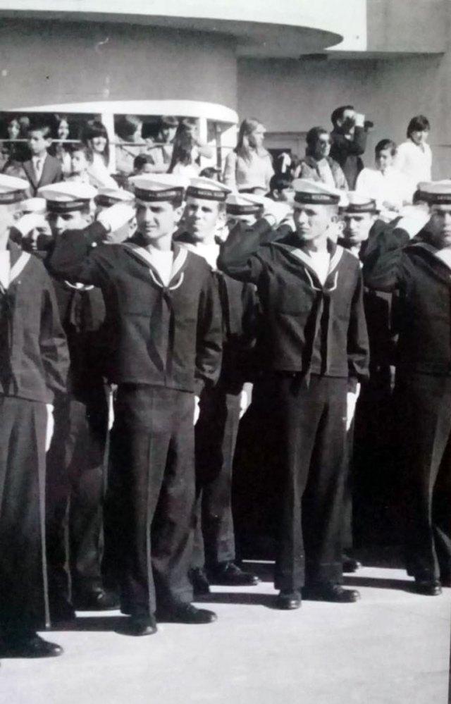 Una imagen de junio de 1968. Los conscriptos juran a la banderaenla localidad de Berisso