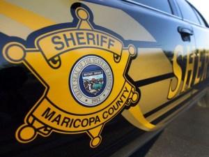 La policía de Maricopa acordonó la casa donde ocurrió el homicidio (Foto: @MajorNews911)