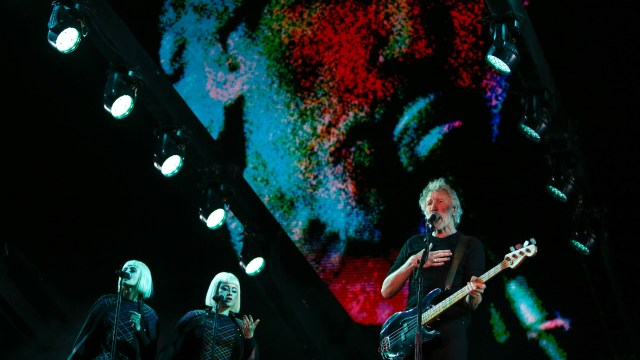 """Algunas canciones que interpretó fueron """"Breathe"""", """"One of These Days"""", """"Time"""", """"The Great Gig in the Sky"""", """"Welcome to the Machine"""", """"Déjà Vu"""", """"The Last Refugee"""" y """"Picture that"""", entre otras"""