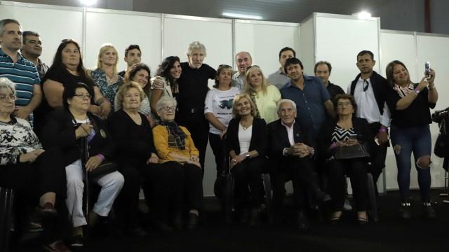 Roger Waters y los familiares de Malvinas (Lihueel Althabe)