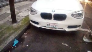 La placa del vehículo estaba registrada en el Estado de México (Foto: especial)