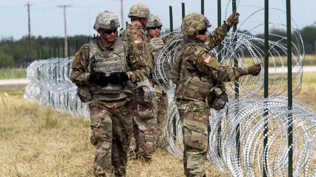 Los militares estadounidenses desplegados en la frontera con México (Foto: Reuters)