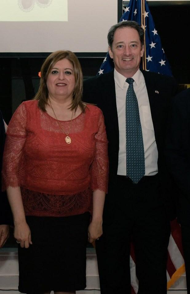 El embajador de los Estados Unidos en Paraguay, Lee McClenny, junto a la fiscal general Sandra Quiñonez (Archivo)