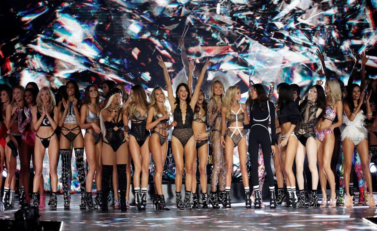 Final del desfile de Victoria's Secret, 2018 (REUTERS/Mike Segar)