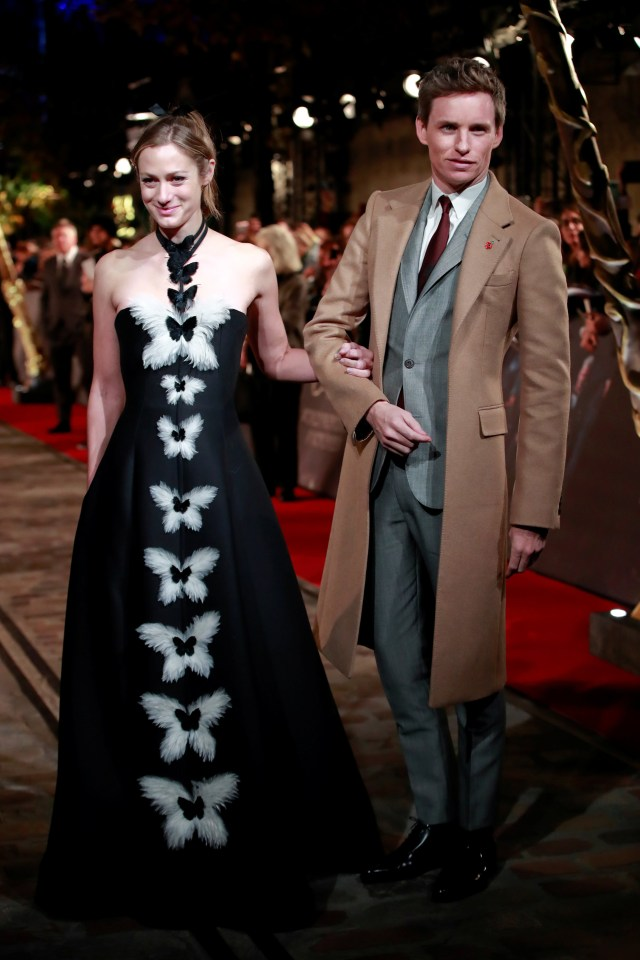 Eddie Redmayne y su mujer Hannah Bagshawe con un fabuloso vestido de gala /// Fotos: Reuters