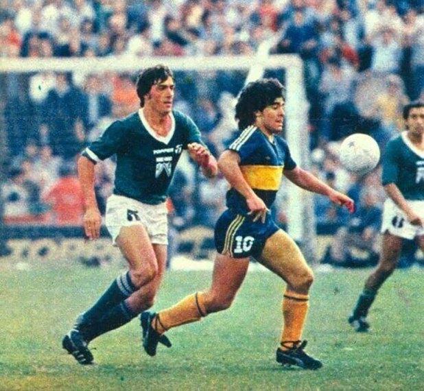 Saccardi y Maradona, en el Metro 81 que Boca le ganó a Ferro sobre el final del certamen