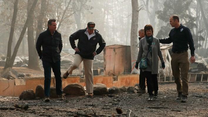 La cifra de muertos por los incendios ascendió a 74 y los desaparecidos a más de 1.000