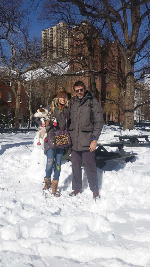"""""""En 2014, cuando se mudaron por tres años a Nueva York, a Mariana le negaron la visa. Sólo se la dieron después de pasarpor el Registro Civil""""."""