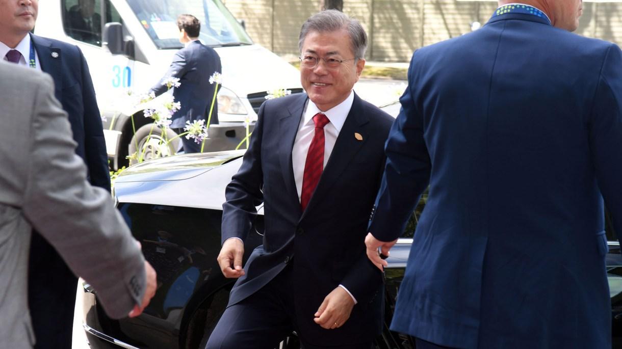 El presidente surcoreano Moon Jae-in llegando a Buenos Aires para la cumbre del G20