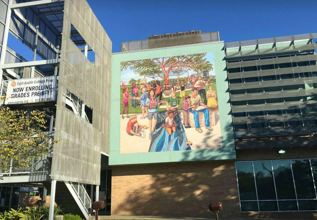 En el 30 aniversario de la organización Southwest Key se develó un mural ante la presencia de Sánchez