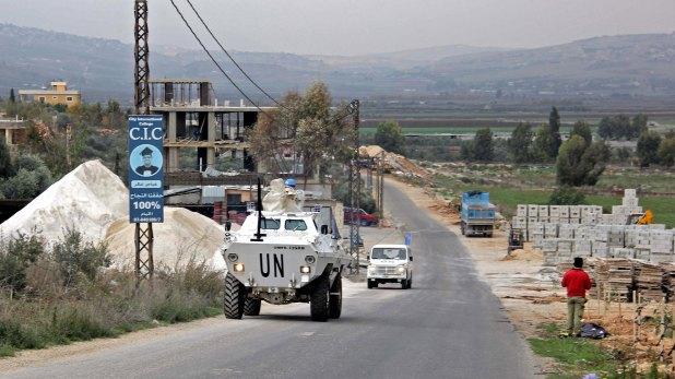 Vehículos de la ONU patrullan la frontera entre Israel y Líbano(AFP)