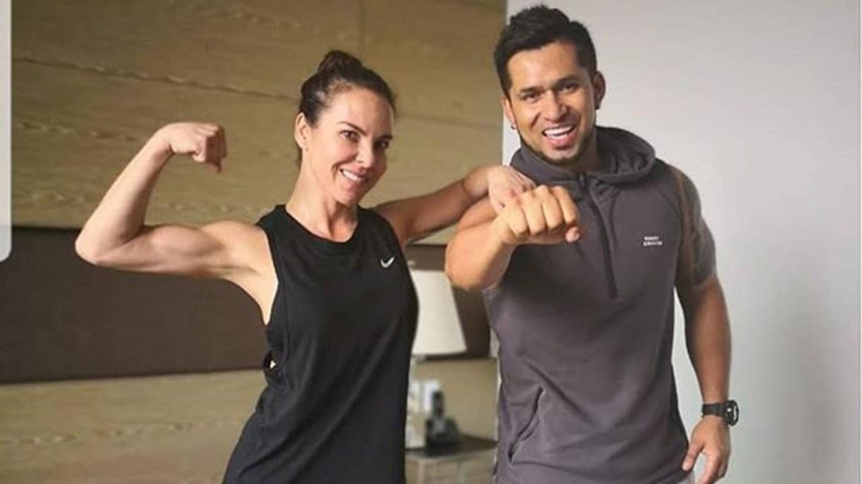 Alex, con Kate del Castillo