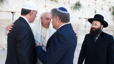 El Papa ya ha participado de otros eventos interreligiosos (AFP)