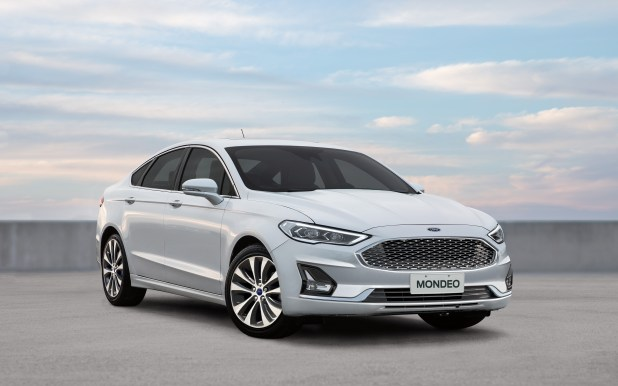 Ford Mondeo, mejora su equipamiento y actualiza su imagen.