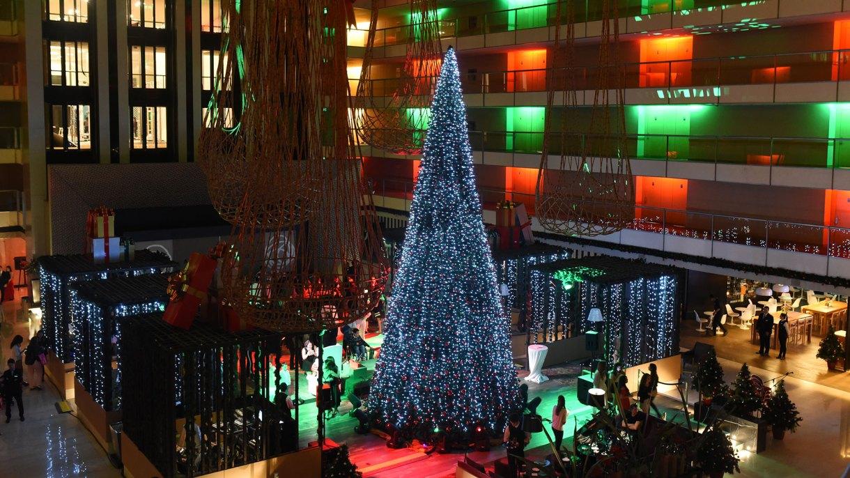 La instalación en el centro del lobby
