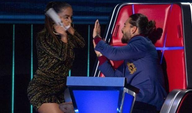 Anitta le pegó a Maluma en el programa de televisión que busca talentos (Foto: Captura Televisa)