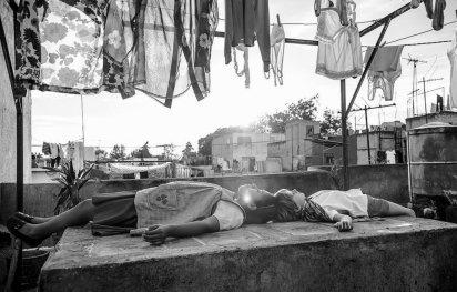 """Una de las escenas de Yalitza Aparcio en """"Roma"""""""