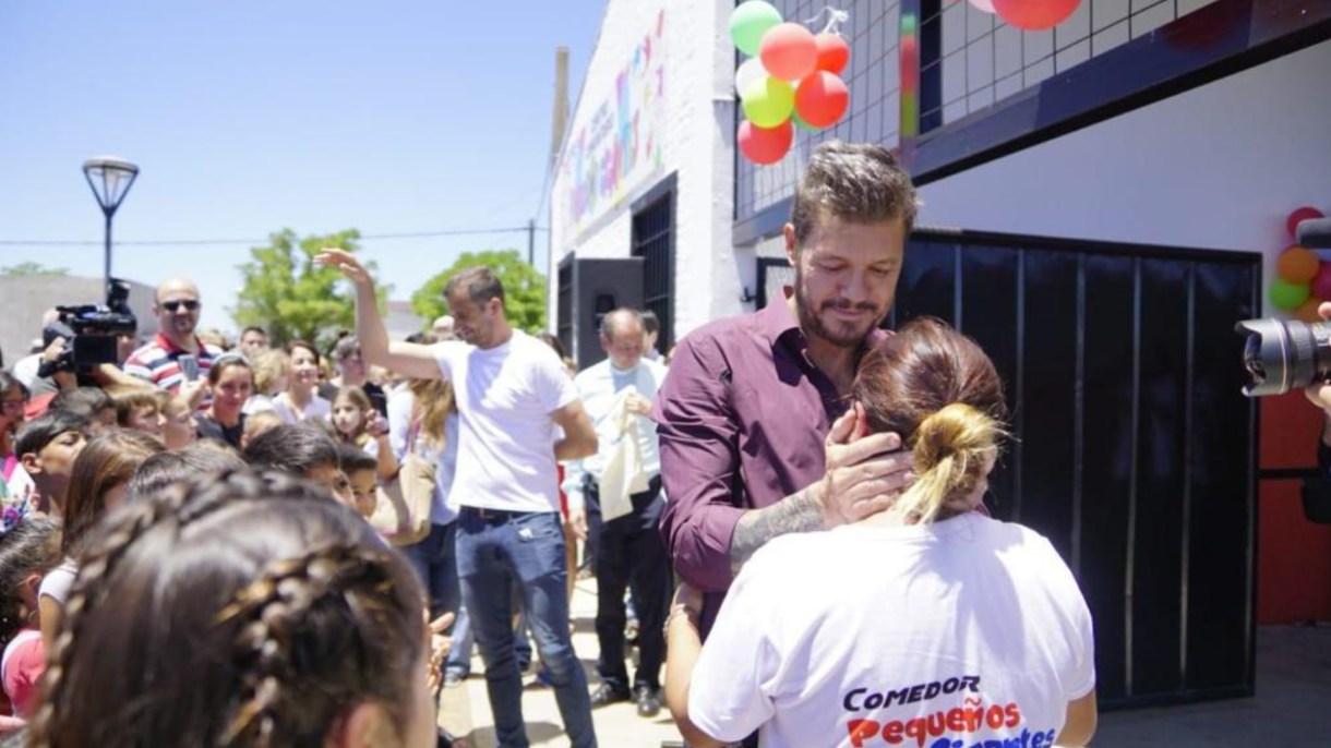 """Marcelo con Romina, al inaugurar las obras; atrás, el ex intendente Eduardo """"Bali"""" Bucca y el párraco Mauricio Scoltore"""