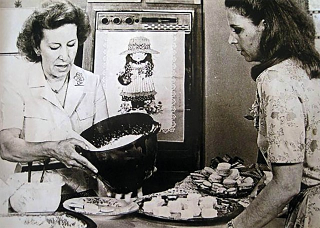 Choly Berreteaga en Buenas tardes, mucho gusto. Las tardes para mujeres argentinas que querían cocinar con inteligencia.