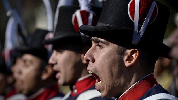 Acto de jura de la bandera por parte del Regimiento de Patricios (Gustavo Gavotti)