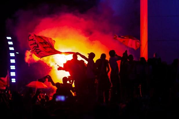 Hinchas de River festejan la obtención de la Copa Libertadores en el Obelisco (Manuel Cortina)