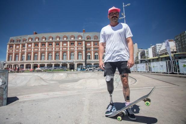El skater suizo Alex Pipoz en Mar del Plata (Christian Heit)