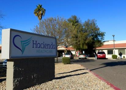 En esta fotografía del 4 de enero de 2019 se muestra la clínica privada Hacienda HealthCare en Phoenix. (AP Foto/Ross D. Franklin)