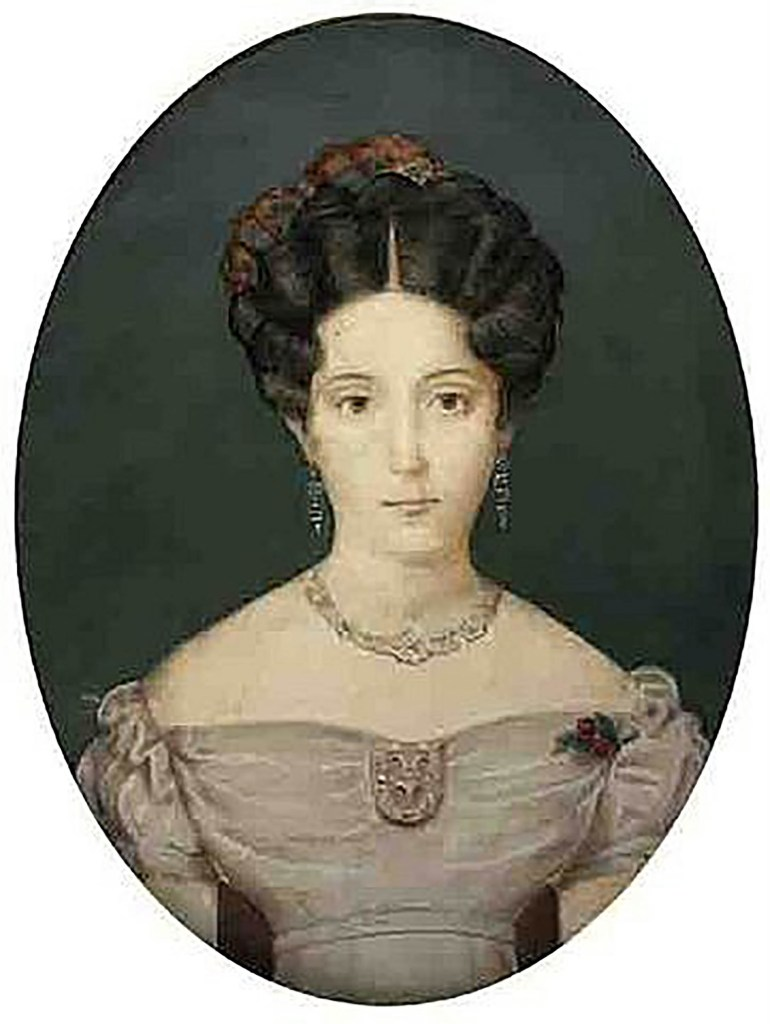 Dominga Saavedra, hija de Cornelio, fue una hábil pianista