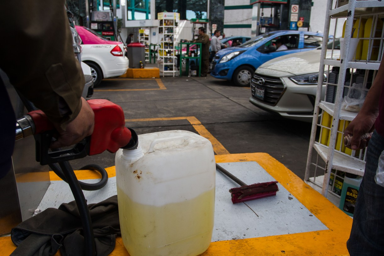 El retraso en el distribución de la gasolina ha ocasionado el cierre temporal de las estaciones de servicio en la capital mexicana (Foto: Isaac Esquivel/ CUARTOSCURO.COM)