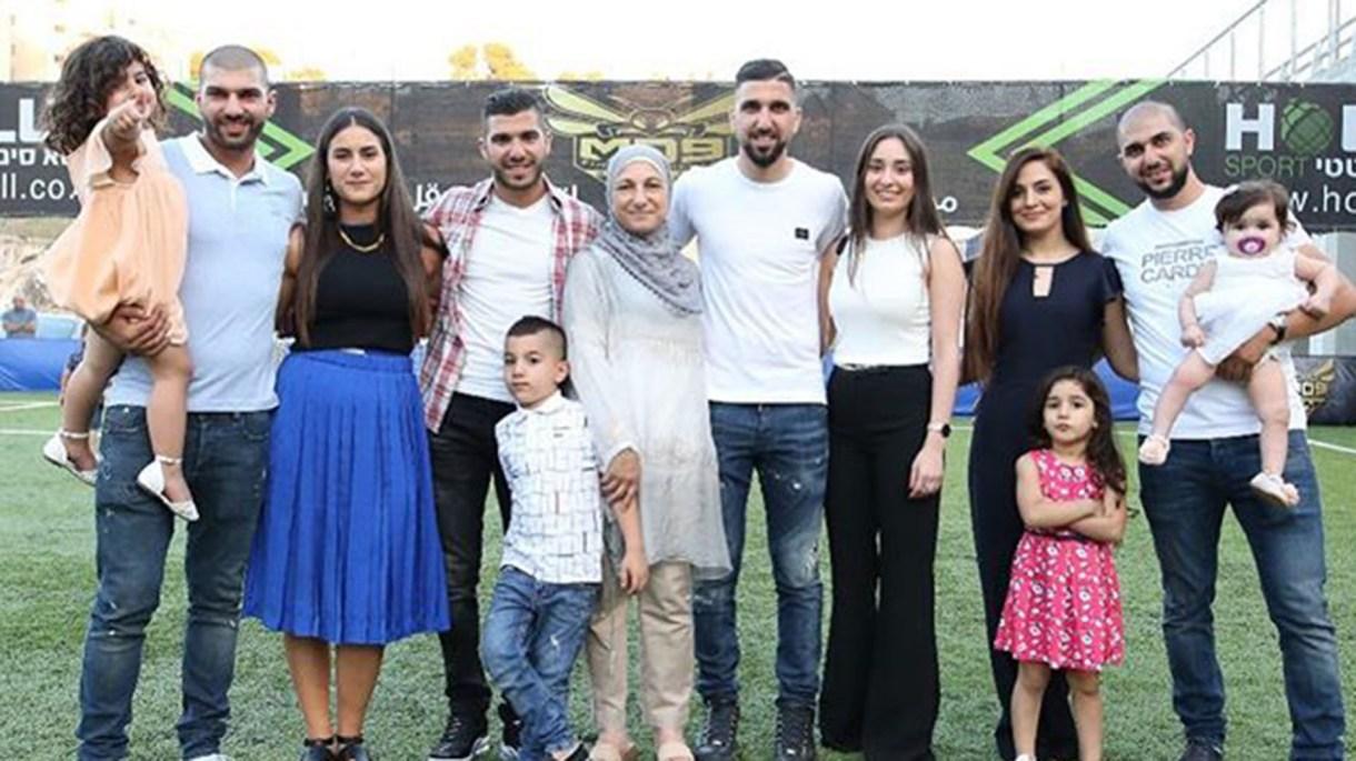 Moanes Dabour, junto a su familia (@moanesdabbur)