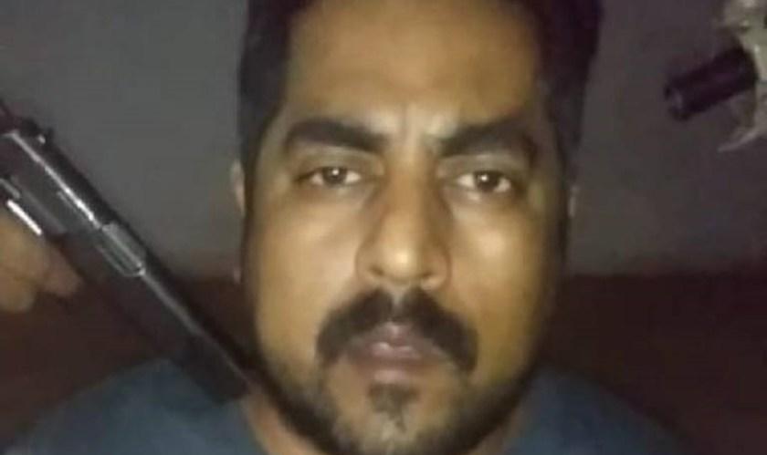 En un video que circuló en las redes sociales, se ve al líder panista amenazado con pistolas, señalando como presuntos secuestradores a ex alcaldes de la región