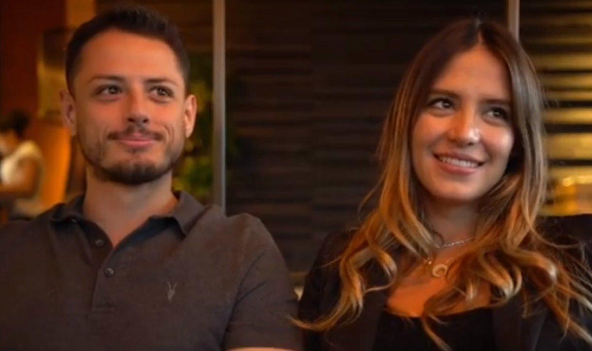 El Chicharito y Sarah sorprendieron con la noticia de que serán papás