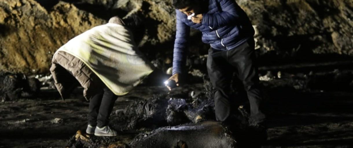 Familiares buscando en la zona a los desaparecidos FOTO: CORTESÍA CASTILLO /CUARTOSCURO.COM